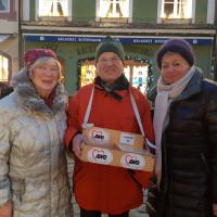 Fleißige SPD Mitglieder helfen bei der AWO am Christkindlmarkt